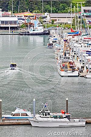 Free Alaska Seward Fishing Chater Boat Returns 2 Royalty Free Stock Photo - 28627865