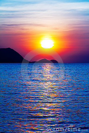 Alba sull oceano