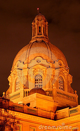 Alberta legislature building at night