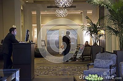 Лобби гостиницы Alexis Редакционное Изображение