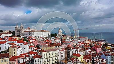 Alfama-Hügel in Lissabon von oben stock video