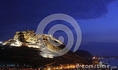 Alicante bij nacht
