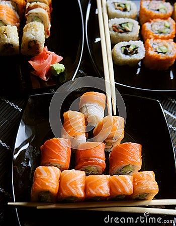 Alimento tradicional de Japão - rolo