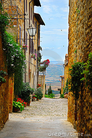 Free Alley In Pienza, Tuscany Stock Photo - 23286750