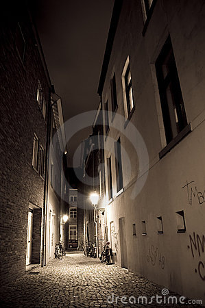 Alley by night
