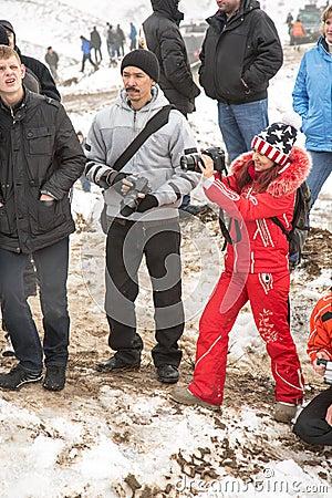 Almaty, Kazakhstan - 21 février 2013. Emballage tous terrains sur des jeeps, concurrence de voiture, ATV. Course traditionnelle Image stock éditorial