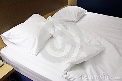 Almohadas y manta