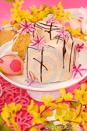 Almond ring cake for easter
