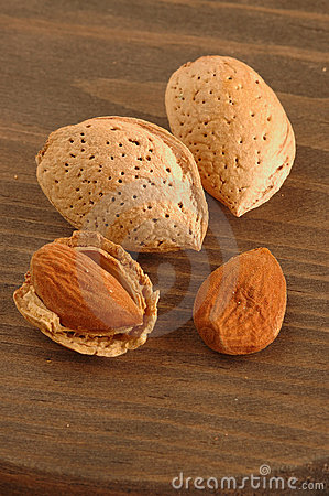 Free Almonds Stock Images - 3236724