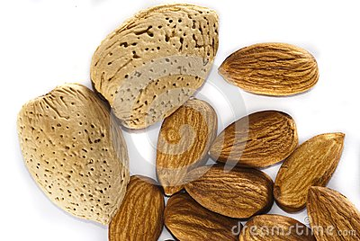 Almonds with and without shells