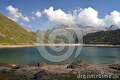 Alpejski hydroelektryczny basen