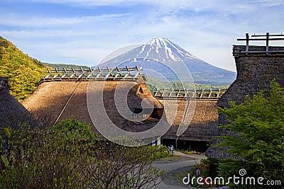 der fujisan besucher mitte japan redaktionelles bild bild 32988345 - Japanische Huser