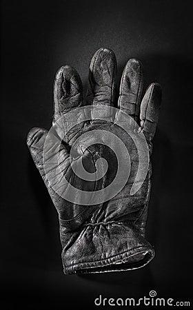 Alter Handschuh
