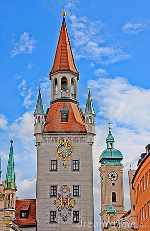 Altes Rathaus clock tower