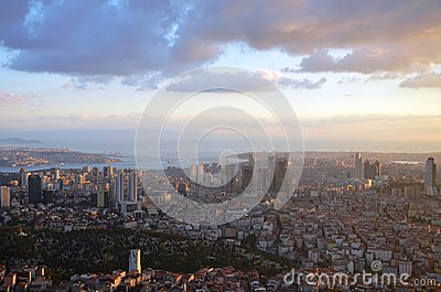 At an altitude of 280 mt in Istanbul sunset, sapphire was at the mall looking at photos Stock Photo