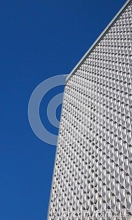 Alto edificio