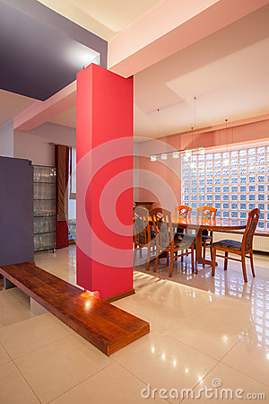 Amaranth house - colorful dining room