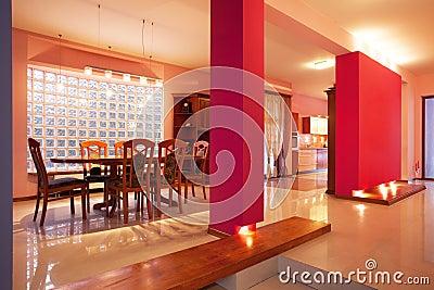 Amaranth house - Pink walls