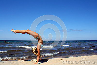 Amazing handstand on the beach