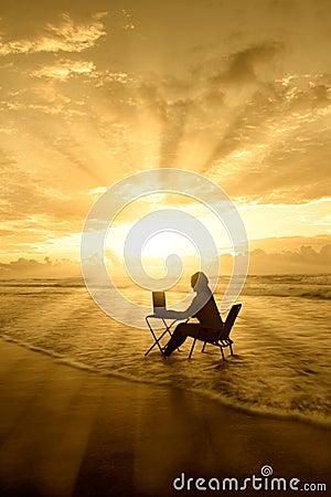 Free Amazing Rays Of Light Of Woman Study On Beach Stock Photos - 28129543