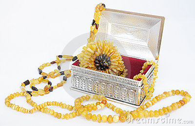 Amber jewelry and siver box