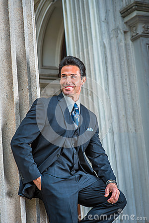 Free American Businessman Waiting For You Outside In New York Royalty Free Stock Image - 91758556
