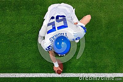 American football player hike