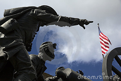 American soldiers statue