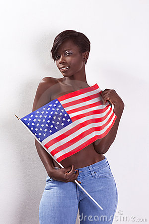 Amerikansk nationell topless kvinna för svart flagga