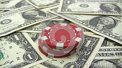 Amontonamiento de las fichas de póker rojas almacen de video