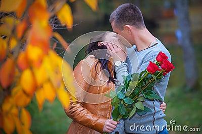 Amor y afecto entre un par joven