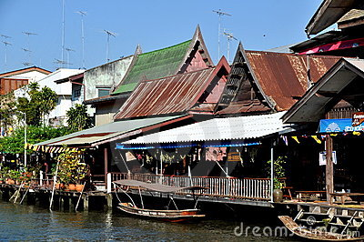 Amphawa, Thailand: Wooden Thai Houses Editorial Photo