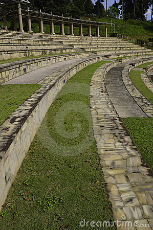 Amphitheater curved seats