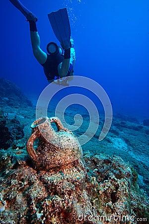 Free Amphora Underwater Royalty Free Stock Photos - 7777728