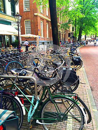 Free Amsterdam Bikes Royalty Free Stock Photography - 92568137