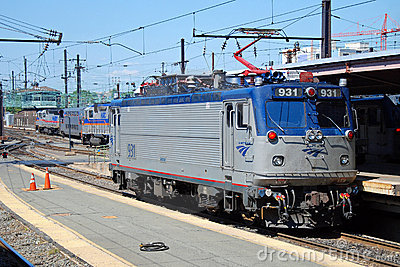 поезд amtrak acela высокоскоростной Редакционное Фото