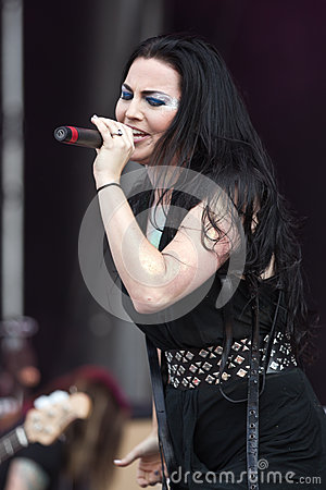 Amy Lee Editorial Photography
