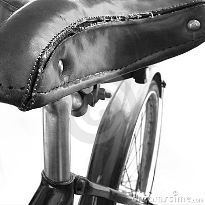 Free An Old Leather Bicycle Seat Royalty Free Stock Image - 4762946
