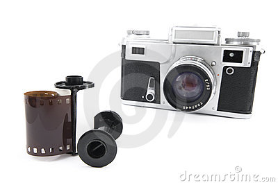 Analog rangefinder camera with 35mm film