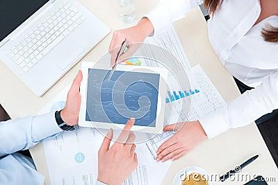 Analyzing financial chart on apple ipad