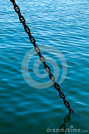 Free Anchor Chain Goes To Water Stock Photography - 29559982