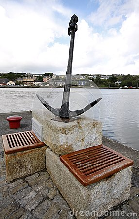 Free Anchor Memory Monument In Kinsale Harbour Royalty Free Stock Photos - 72598098