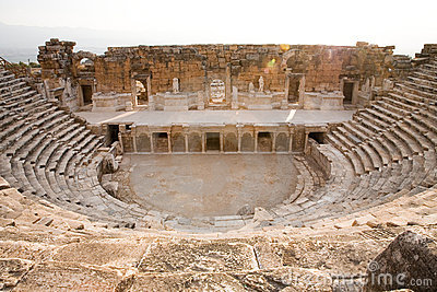 Amphitheatre Antique Images libres de droits - Image: 8405839