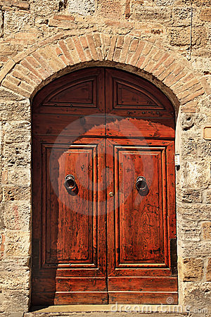 Free Ancient Brown Stone Doorway San Gimignano Italy Stock Images - 19023194