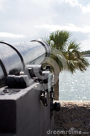 Free Ancient Cannon Royalty Free Stock Images - 26471949