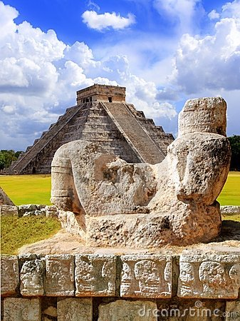 Free Ancient Chac Mool Chichen Itza Figure Mexico Royalty Free Stock Photos - 18811158