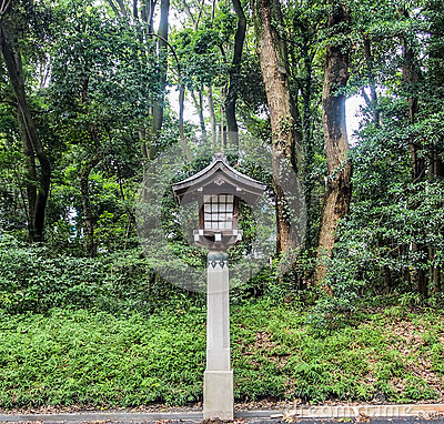 Free Ancient Japanese Lantern Royalty Free Stock Photo - 77783925