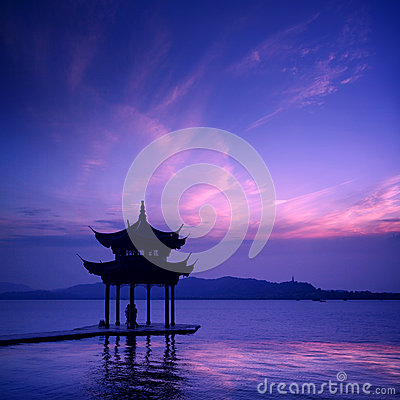 Free Ancient Pavilion On The West Lake Royalty Free Stock Photography - 25160077