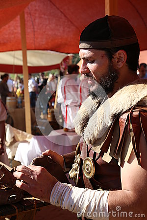 Free Ancient - Roman Soldier And Shoemaker In Armor Stock Photography - 80792362