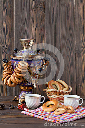 Free Ancient Russian Samovar With A Big Cup Of Tea Royalty Free Stock Photo - 72497145